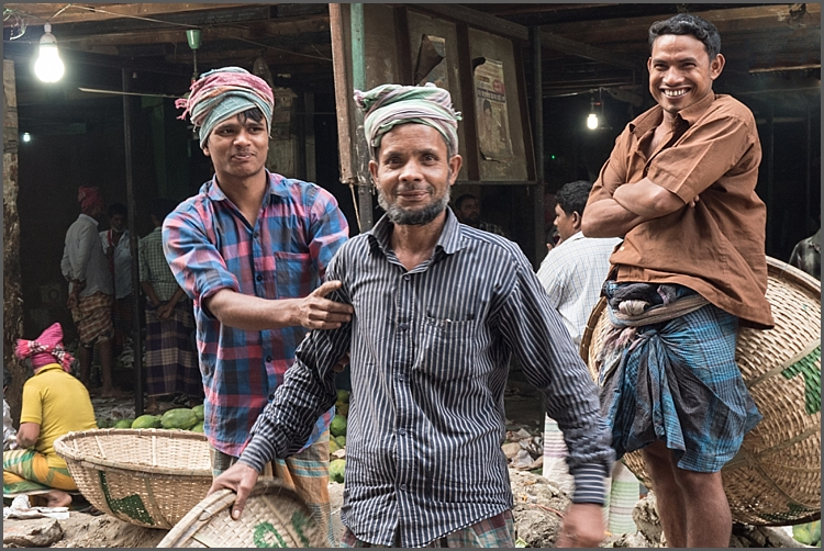 Morning Market inDhaka.