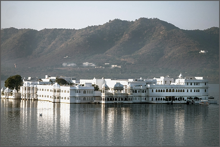 Tag Lake PalaceHotel on lake Pichola, Udaipur